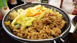 牛すき鍋膳・肉アップ すき家 鹿島田駅前店