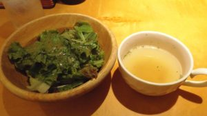 ランチのサラダ&スープ|てっぱんグリルごちそう亭