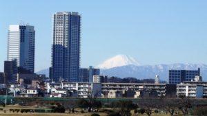 多摩川公園から見た富士山