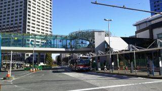 川崎駅北口のデッキ