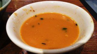 スープがオレンジ色に|麺屋 千晃