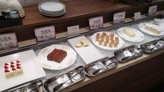 ケーキ(種類が多いです)|ナトゥーラ 川崎日航ホテル