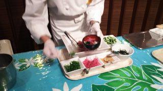 ポキ丼(,目の前でつくってくれます)|ナトゥーラ 川崎日航ホテル