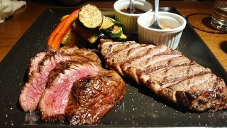 ステーキ二種&野菜|T8 Steak House 川崎