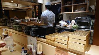 厨房&カウンター|そばえもん 川崎アゼリア店