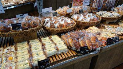 店頭のパンは個包装|オリンピック 川崎鹿島田店 パン工房