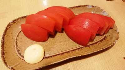 冷やしトマト|炭火焼鳥 鶏治