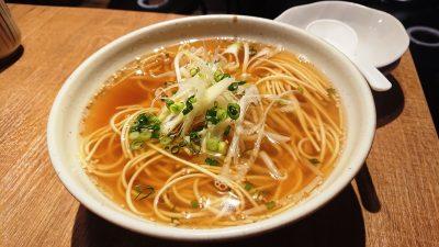 あご出汁醤油ラーメン|アカマル屋 川崎東口店