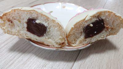 ベースボール チョコクリーム(断面)|クリスピー・クリーム・ドーナツ アトレ川崎店