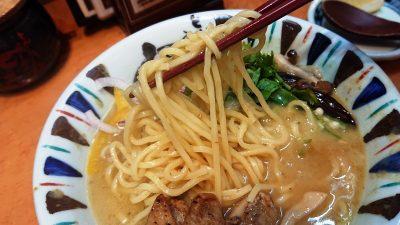 グリーンカレーらーめん(麺リフトアップ)|七志らーめん 鹿島田店